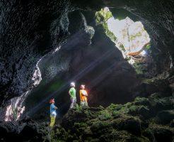 富士山の洞窟探険イメージ