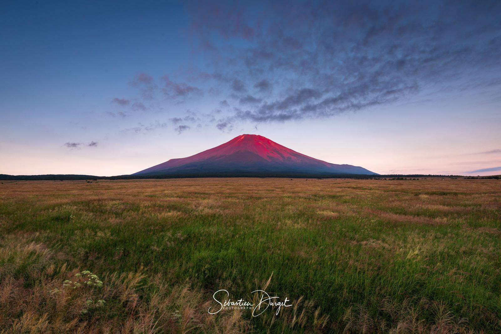 セバスチャンの赤富士